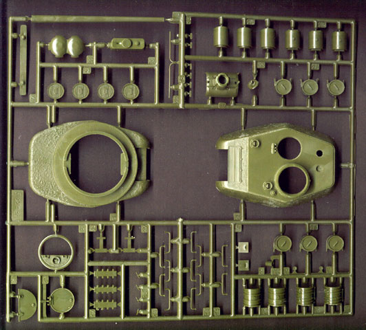 34 Reviews: T-34/84 Model 1945 Review By Brett Green (Zvezda 1/35